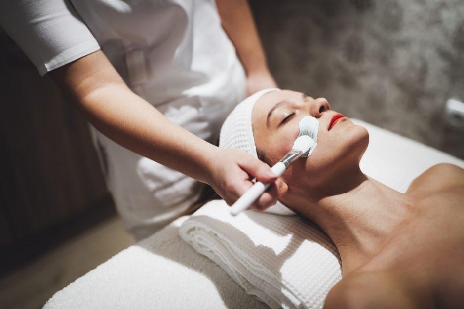 Tratamiento en cabina, las 5 razones por las que acudir a tu centro de belleza
