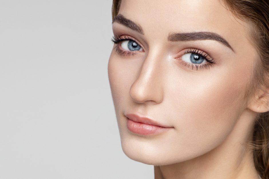 Despierta tu mirada: 5 pasos ineludibles para el cuidado del contorno de ojos