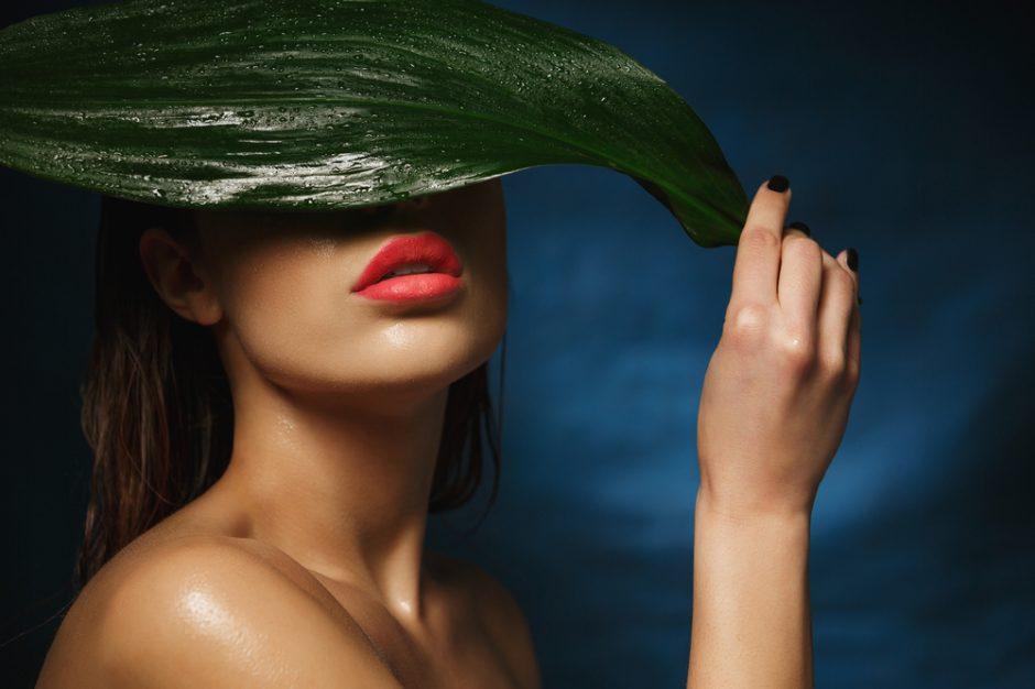 ¡Socorro, acné! Las causas y soluciones en la piel adulta
