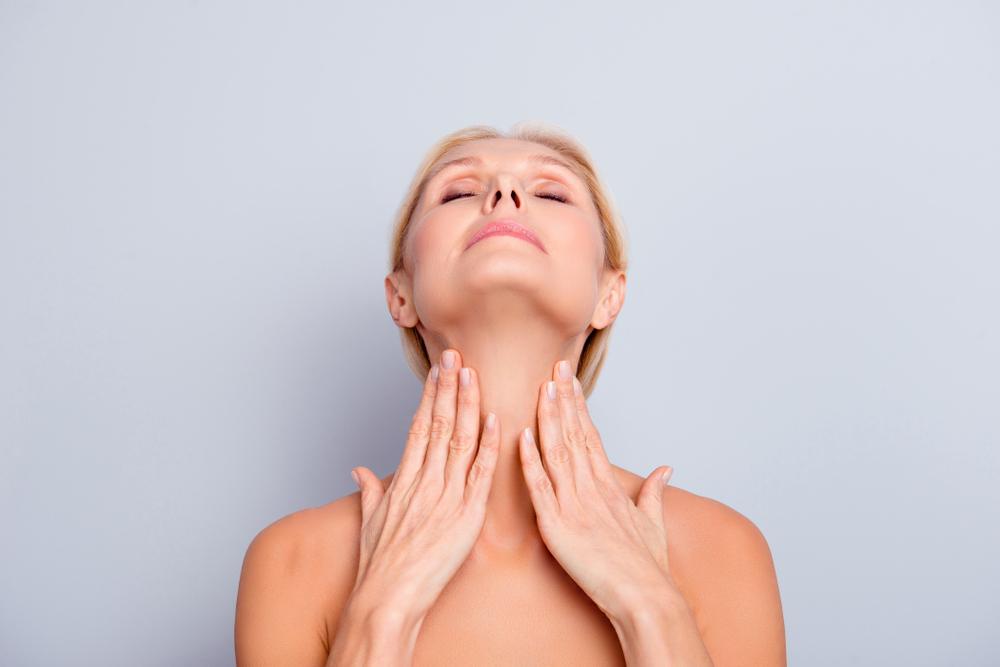 Ejercicios para eliminar la papada: tonifica tu rostro
